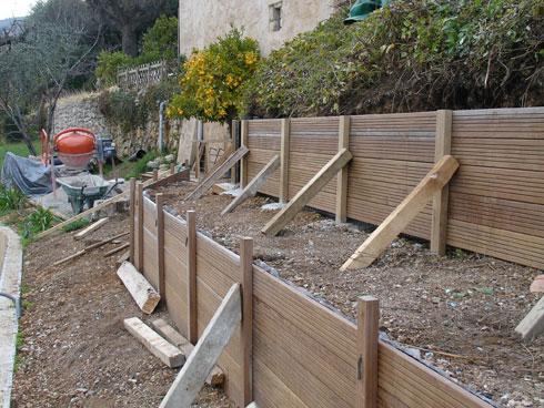 Restanque en bois acanthe paysages paul villier for Construire sa piscine bois